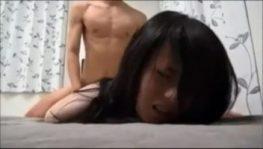 หนุ่มสาวญี่ปุ่นตั้งกล้องแล้วมานอนเลียหีก่อนเย็ดกันสุดเสียว
