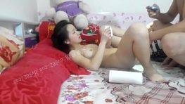 แหกเย็ดกับเมียtaiwan SEXจัดหน้าแคมเมียสาวเลียนมสดๆแดงๆยันกระแทก โม้กเก่งขอเป็นเมียเธอวันนึงจัดเย่อทั้งวัน