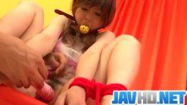 คลิปโป๊Javจับสาวตัวเล็กให้มานั่งทรมานกับความเสียวจากไข่สั่นทั้งตัว